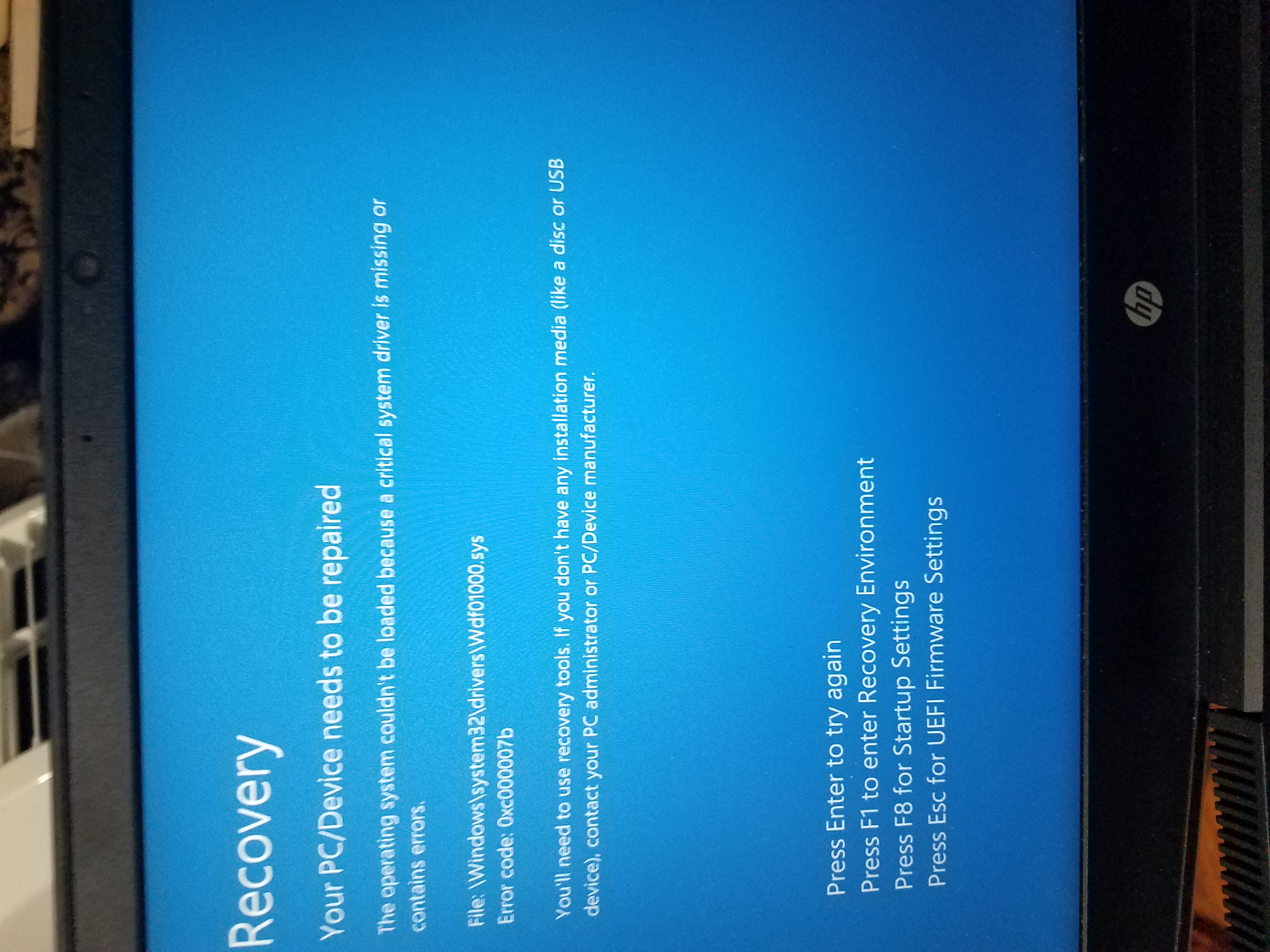 My pc starts up with a blue screen with error message