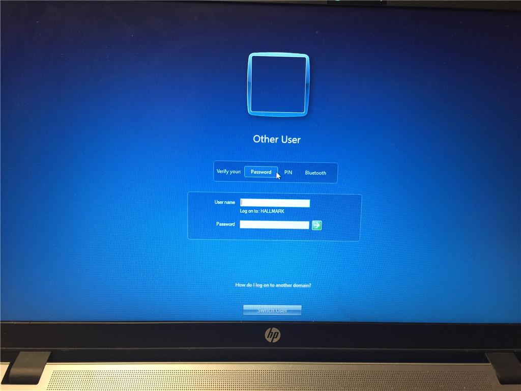 Log in Screen Locks out! Stuck at Blue Screen Windows 10