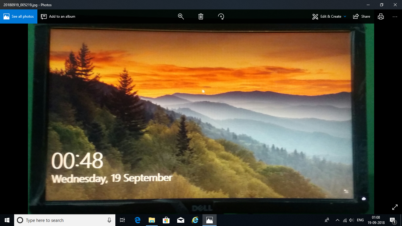 windows 10 , latest version 1803 screen stuck after updating play