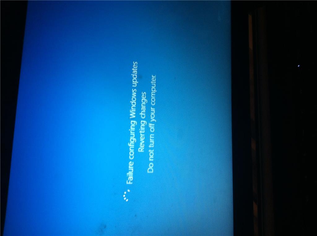 failure configuring windows update reverting changes windows 8 stuck