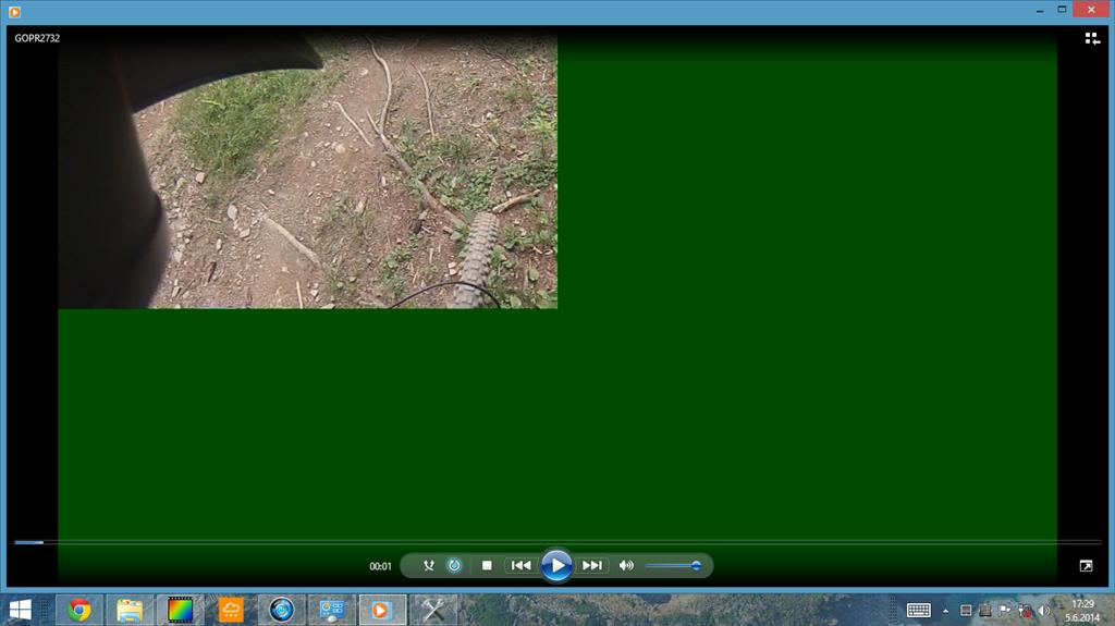 Media player 12 - playing 3/4 green video screen - Microsoft